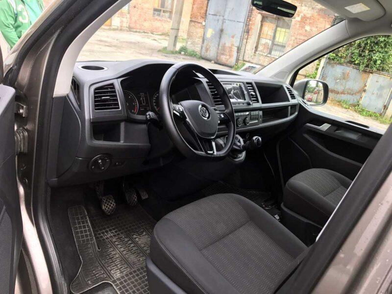 Прокат авто Volkswagen Caravelle