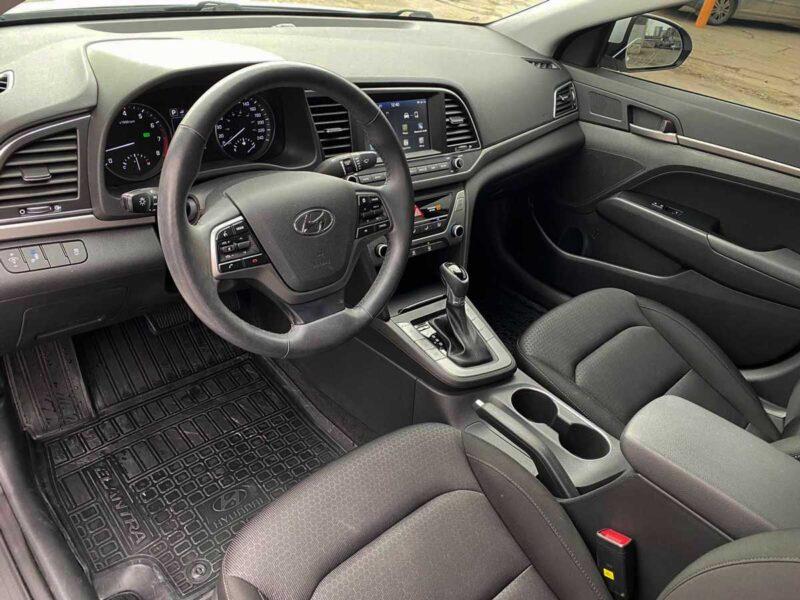 Аренда авто Hyundai Elantra
