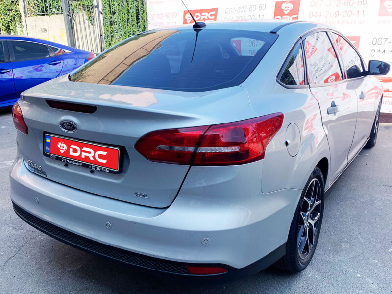 focus g 2 800x600 - Ford Focus sedan