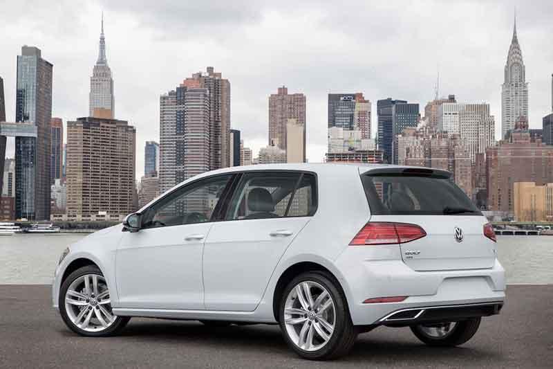 Прокат авто Volkswagen Golf